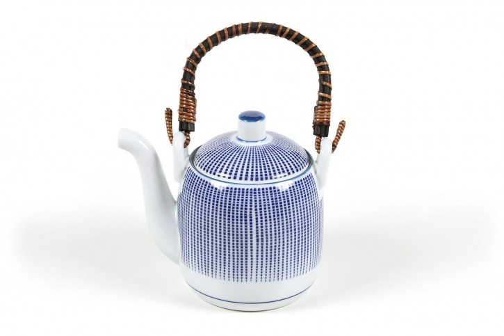 Japanische Teekanne weiß mit blauen Streifen