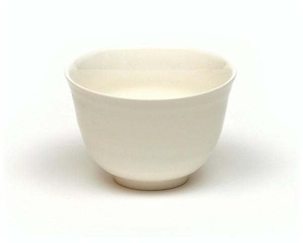Japanische Teetasse elfenbeinfarben