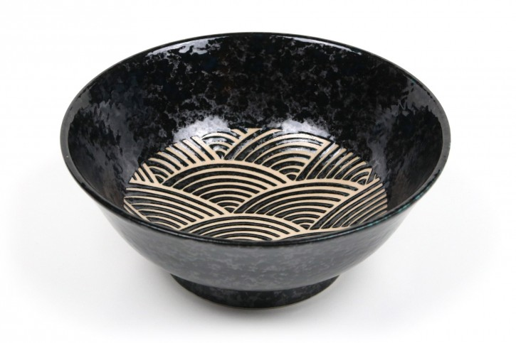 Ramen-Schale schwarz mit klassischem Wellenmotiv