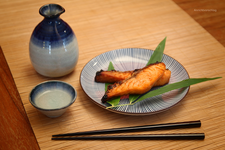 sushi teller set aoshima morita. Black Bedroom Furniture Sets. Home Design Ideas